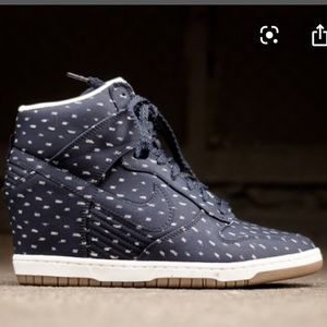 Nike Dunk Sky High wedge print in navy blue size 8